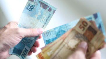 Saque em dinheiro do auxílio